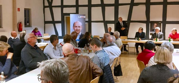 """""""Ärztliche Nahversorgung sichern"""" – Hessischer Sozialminister Grüttner in Hasselroth"""